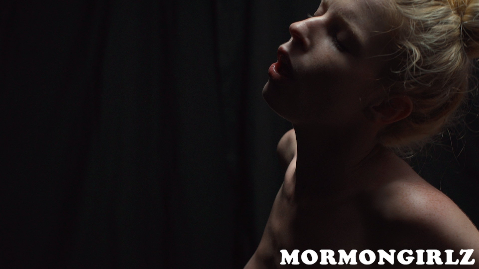 mormongirlz_74_16
